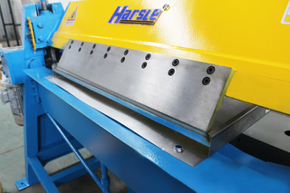 door sheet edge folding machine.jpg